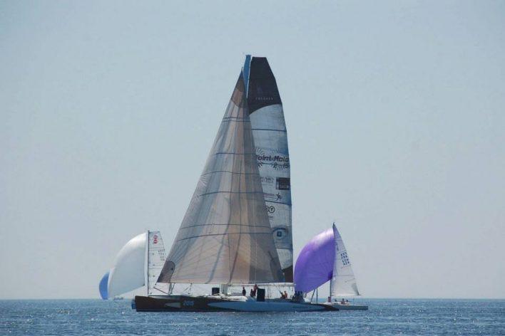 Le maxi-catamaran Explorer pendant La Grand Large 2013
